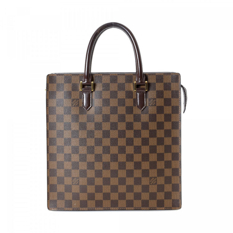 c3ab6fcf4139e LXRandCo guarantees this is an authentic vintage Louis Vuitton Sac Plat PM  tote. Crafted in damier ebene coated canvas
