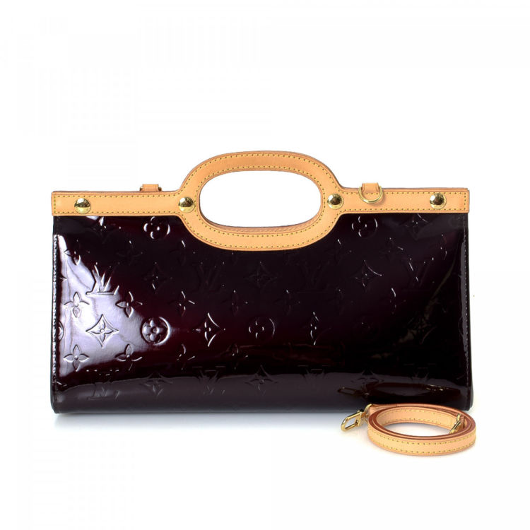 Lxrandco Guarantees The Authenticity Of This Vintage Louis Vuitton Roxbury Drive Handbag Crafted In Monogram Vernis Patent Leather Refined Bag Comes
