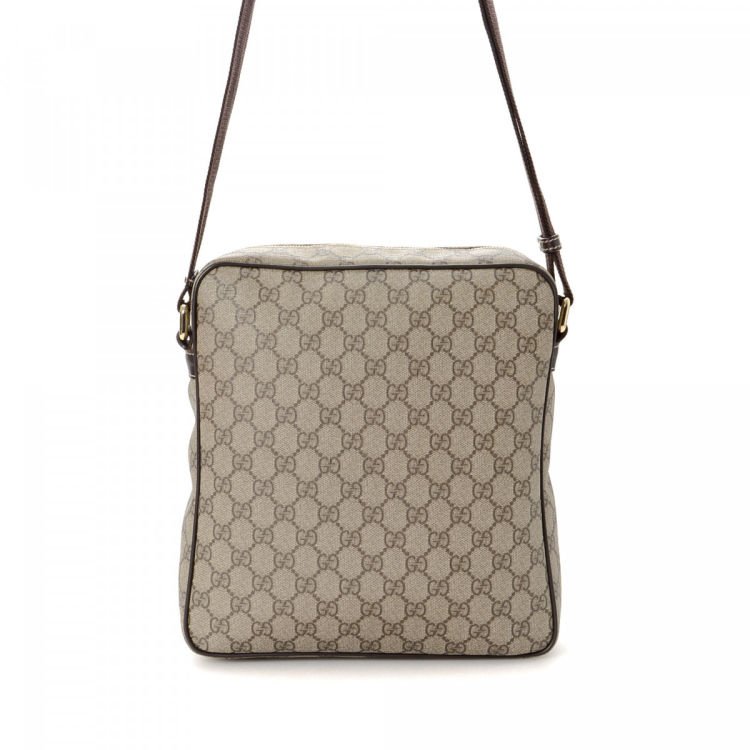 4c9b72d9feb LXRandCo guarantees this is an authentic vintage Gucci Crossbody Bag  messenger   crossbody bag. This everyday messenger   crossbody bag was  crafted in gg ...