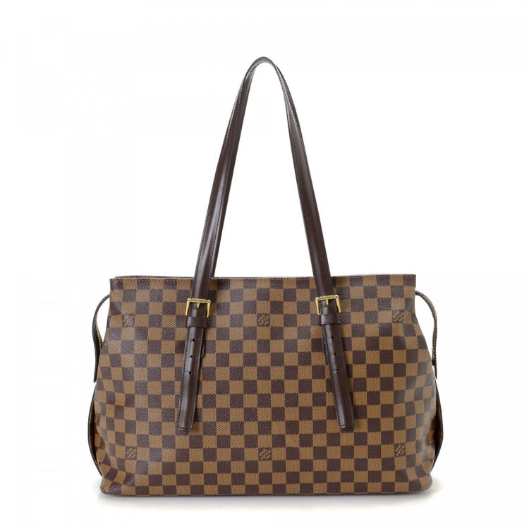 ce0695844d01 LXRandCo guarantees this is an authentic vintage Louis Vuitton Chelsea tote.  This everyday tote was crafted in damier ebene coated canvas in brown.