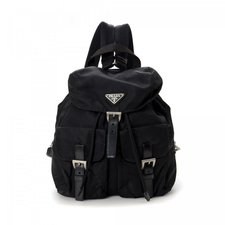 d0e424144efb LXRandCo guarantees this is an authentic vintage Prada backpack. This classic  backpack in black is made in tessuto nylon. Due to the vintage nature of  this ...