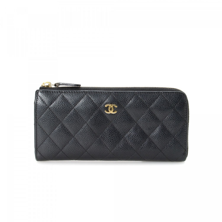 aee98cff0ade27 The authenticity of this vintage Chanel CC Logo Zip Around wallet is  guaranteed by LXRandCo. Crafted in caviar leather, this elegant wallet  comes in ...