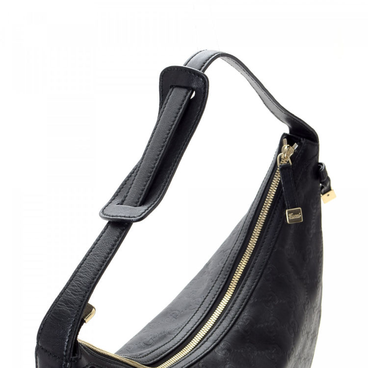 e3fa23dbbf7f The authenticity of this vintage Gucci Princy Hobo Bag shoulder bag is  guaranteed by LXRandCo. Crafted in guccissima leather, this lovely shoulder  bag comes ...