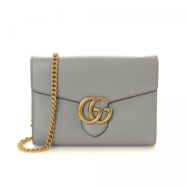 091783cab8b LXRandCo guarantees the authenticity of this vintage Gucci GG Marmont Chain  Bag wallet. This elegant wallet in beautiful grey is made of calf.