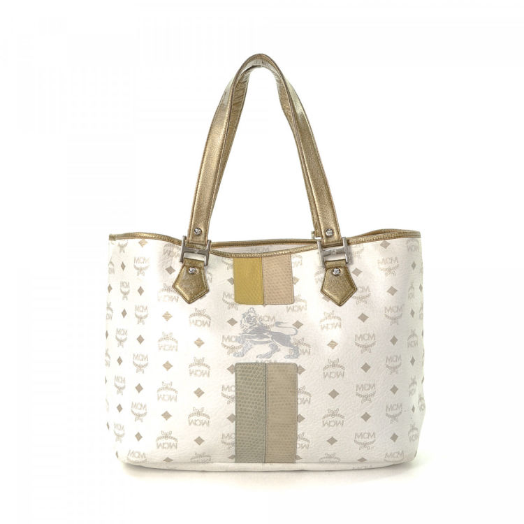 1a6e2675b LXRandCo guarantees this is an authentic vintage MCM shoulder bag. This  exquisite satchel in beautiful white is made in visetos leather.