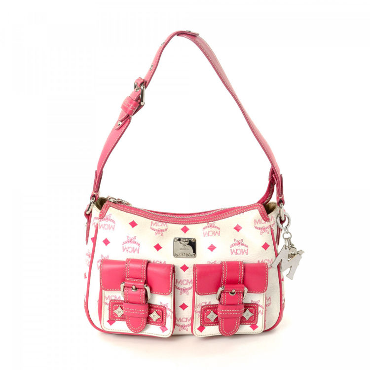 645808344 LXRandCo guarantees the authenticity of this vintage MCM shoulder bag.  Crafted in visetos leather, this elegant shoulder bag comes in white.