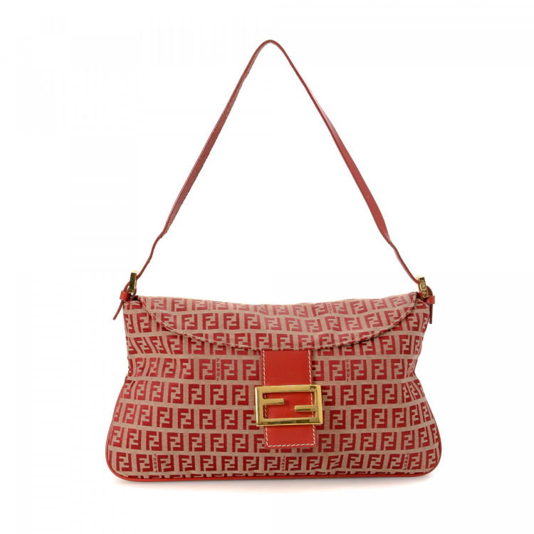 28dcb8ebe6 The authenticity of this vintage Fendi shoulder bag is guaranteed by  LXRandCo. This exquisite bag was crafted in zucchino canvas in beautiful red .