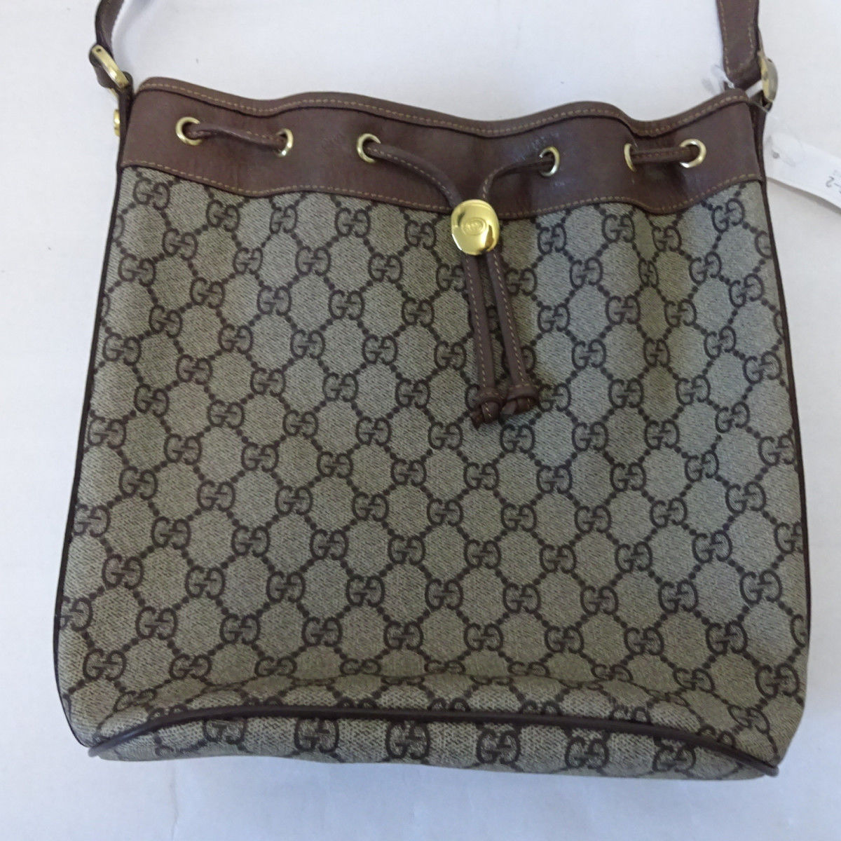 eec79fb5f2f Gucci GG Supreme Bucket Bag. Free Shipping. LXRandCo guarantees the  authenticity of this vintage Gucci Bucket Bag shoulder bag. Crafted in gg  supreme coated ...