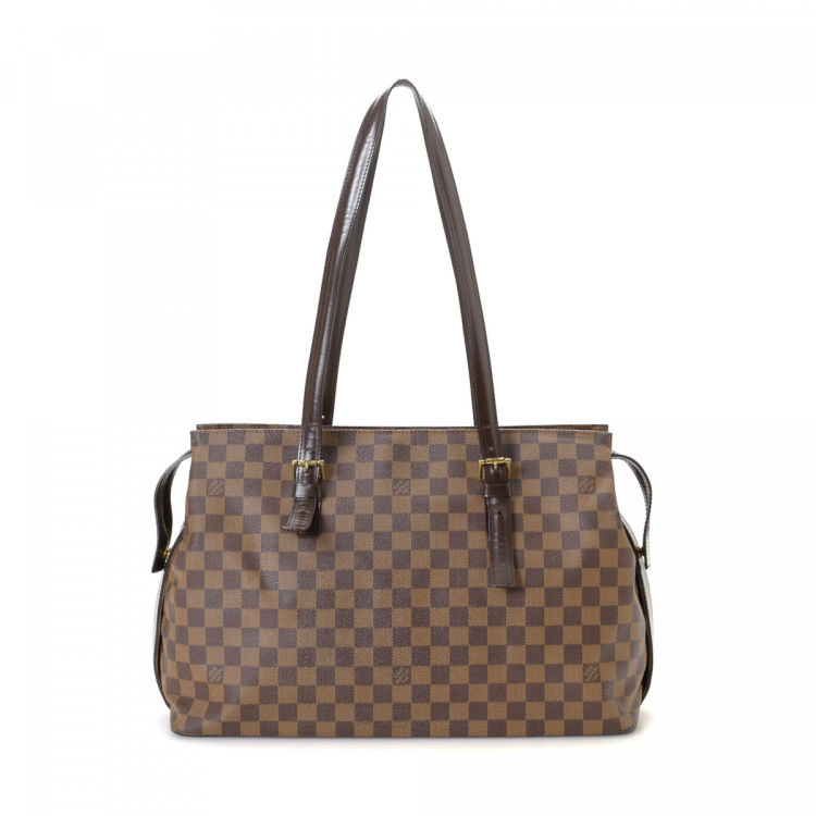 d9d4cccab2b3 The authenticity of this vintage Louis Vuitton Chelsea tote is guaranteed  by LXRandCo. This elegant tote bag was crafted in damier ebene coated  canvas in ...