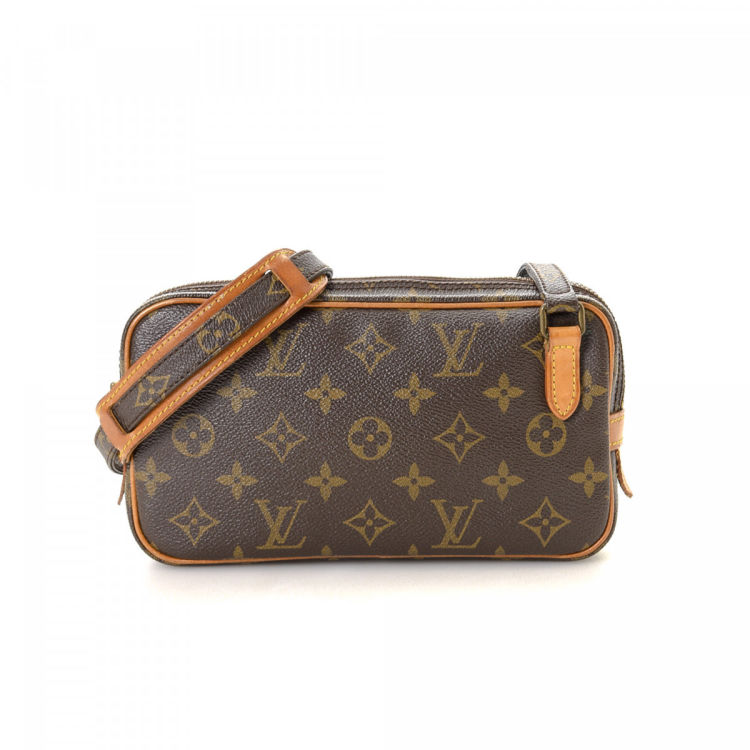 960c631722c0 ... this vintage Louis Vuitton Pochette Marly Bandoulière messenger   crossbody  bag. This refined crossbody was crafted in monogram coated canvas in brown.