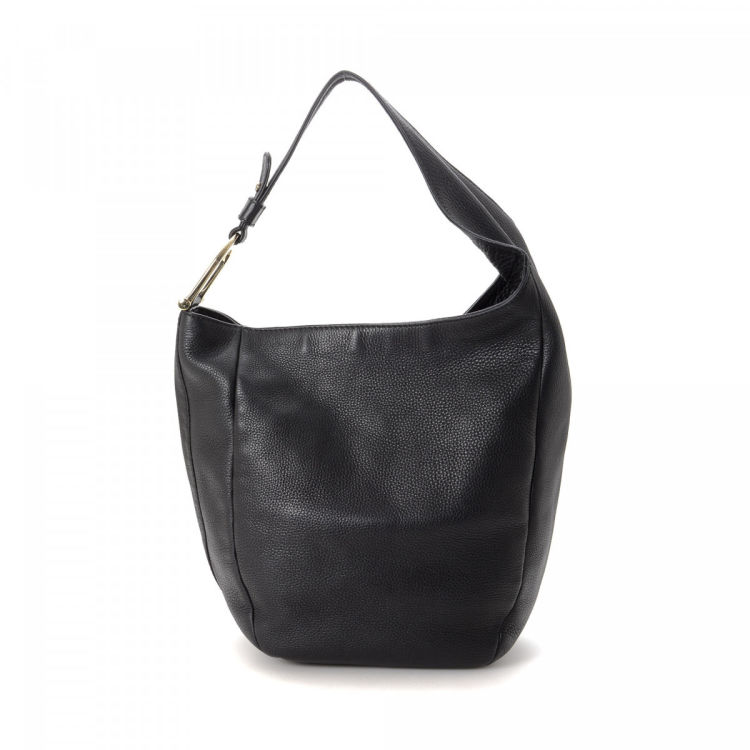 2274392484a The authenticity of this vintage Gucci Greenwich Hobo Bag shoulder bag is  guaranteed by LXRandCo. This chic bag comes in black leather.