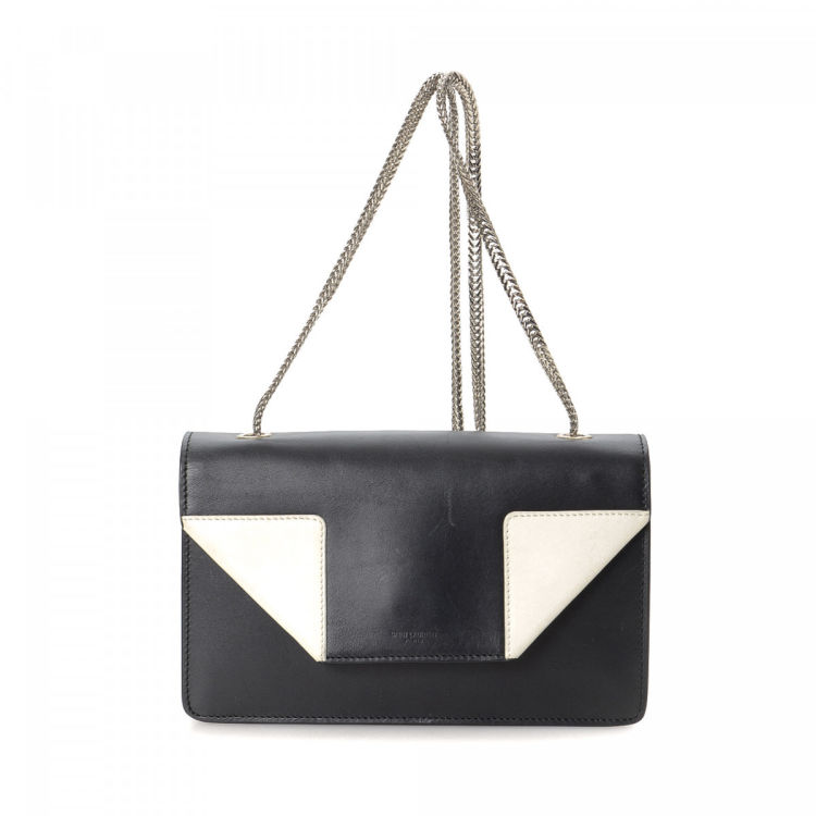 1725f789230 The authenticity of this vintage Yves Saint Laurent Betty Bag shoulder bag  is guaranteed by LXRandCo. Crafted in leather, this elegant satchel comes  in ...