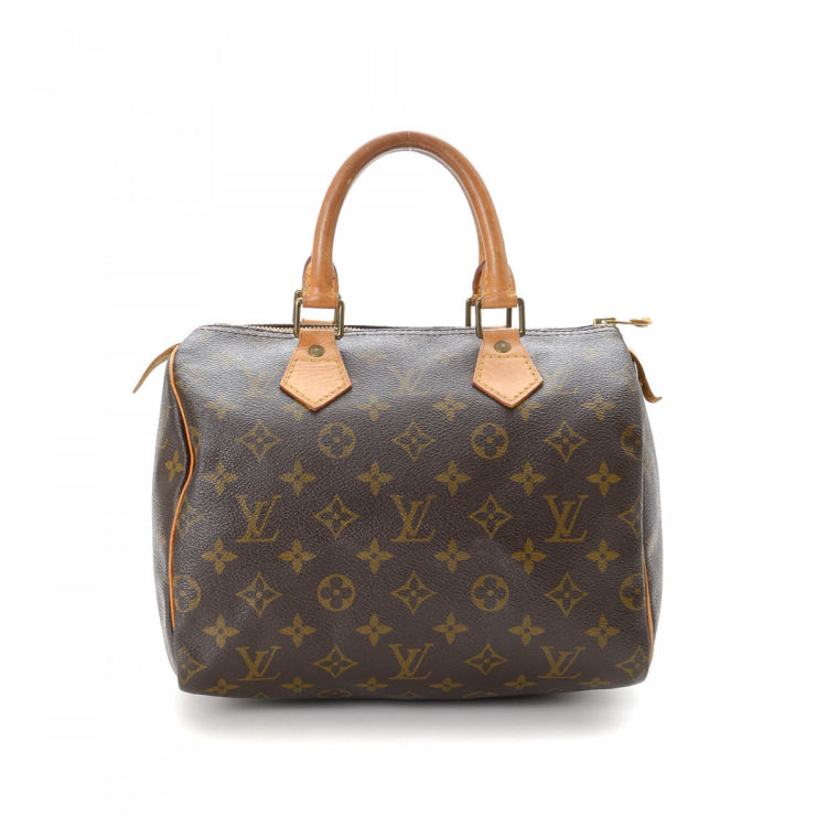 a7c7c335d8 LXRandCo guarantees this is an authentic vintage Louis Vuitton Speedy 25  handbag. This sophisticated purse was crafted in monogram coated canvas in  ...