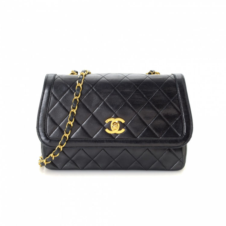 f2faf1d82124 Chanel Chain Shoulder Bag Lambskin - LXRandCo - Pre-Owned Luxury Vintage